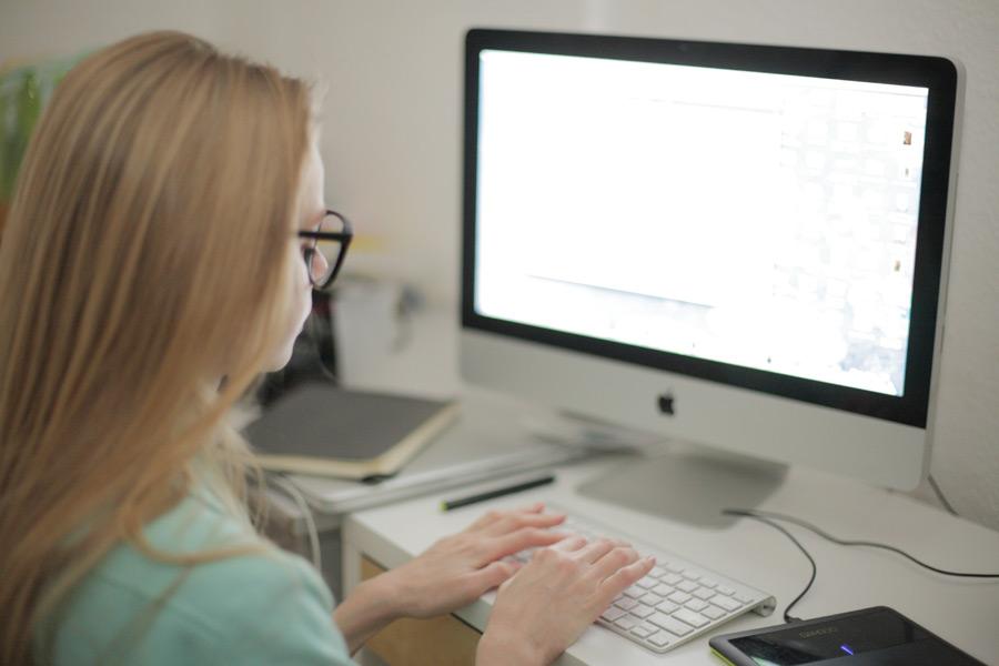 パソコンでメールレディの仕事をするメリット